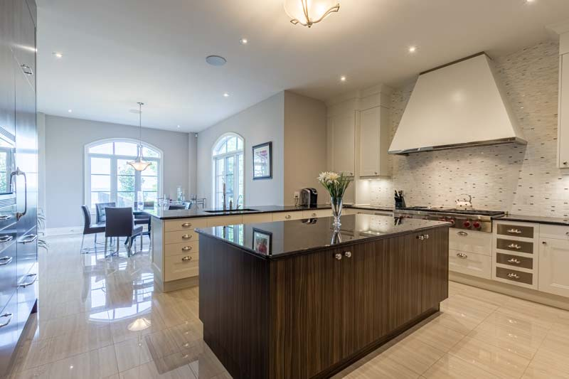 33 Lochside Drive, Stoney Creek Home for Sale Luxury Living Kitchen