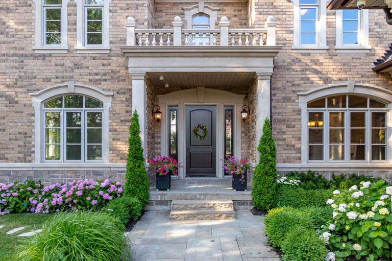 33 Lochside Drive, Stoney Creek Home for Sale Luxury Living Front Entrance