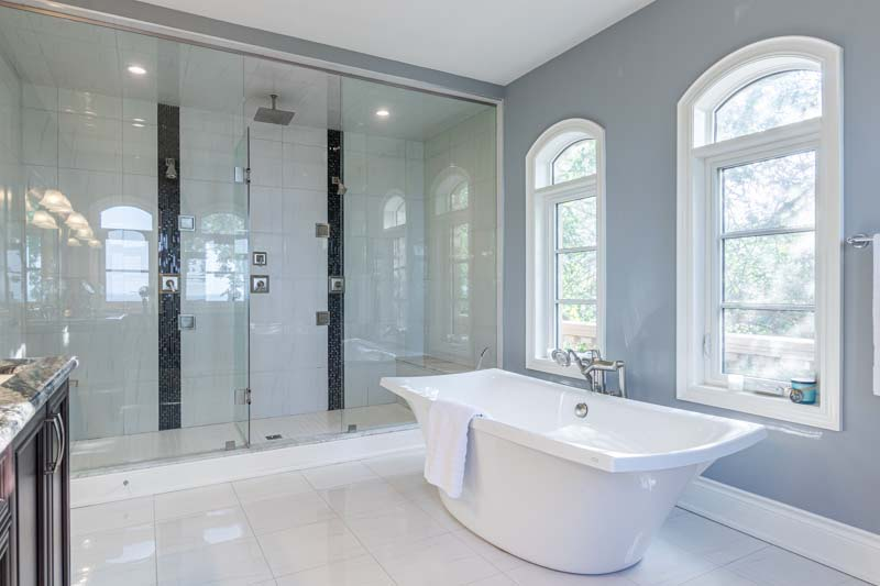 33 Lochside Drive, Stoney Creek Home for Sale Luxury Bathroom