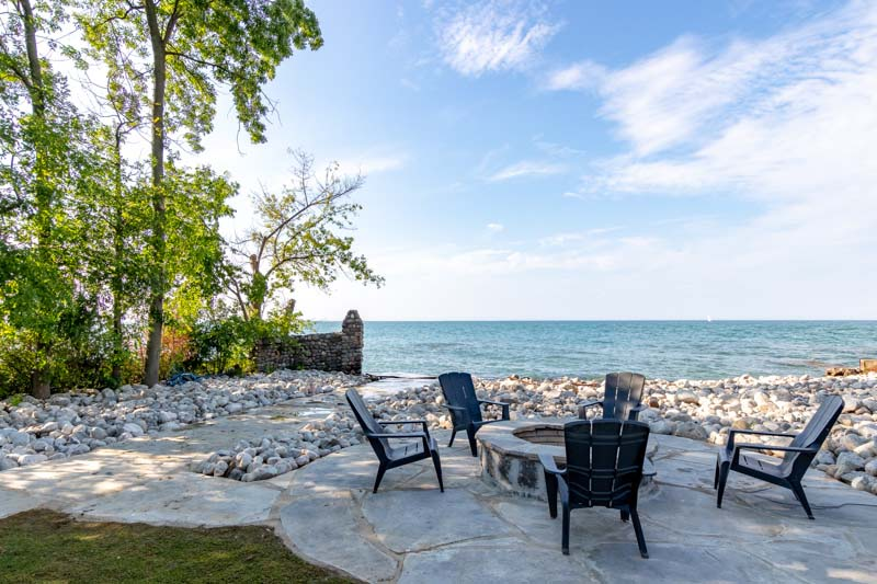 33 Lochside Drive, Stoney Creek Waterfront Property