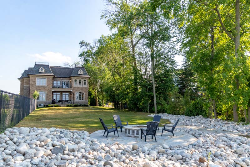 33 Lochside Drive, Stoney Creek Home for Sale Luxury Backyard